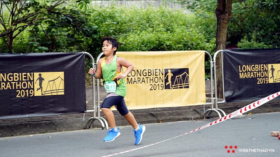 Những runner nhí khuấy động Longbien Marathon 2019
