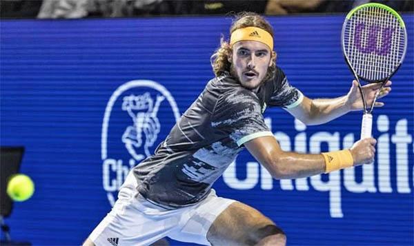 Federer tiến gần ngôi vô địch Swiss Indoors Basel thứ 10