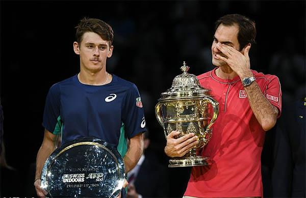 Federer vô địch giải quần vợt Swiss Indoors Basel lần thứ 10
