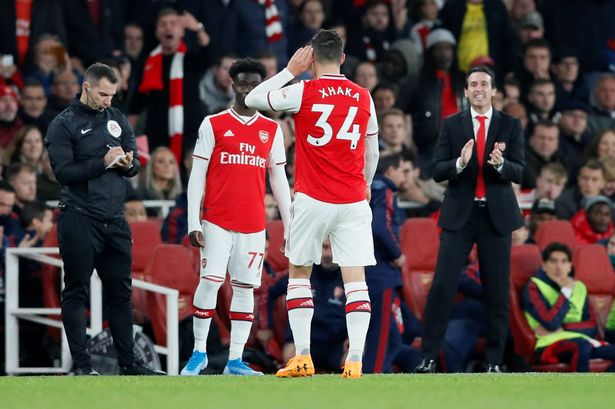Đội trưởng Arsenal bật lại CĐV sau khi bị xúc phạm