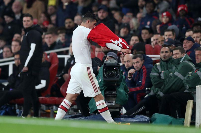 CĐV Arsenal yêu cầu loại bỏ Xhaka ngay lập tức sau sự cố trước Palace