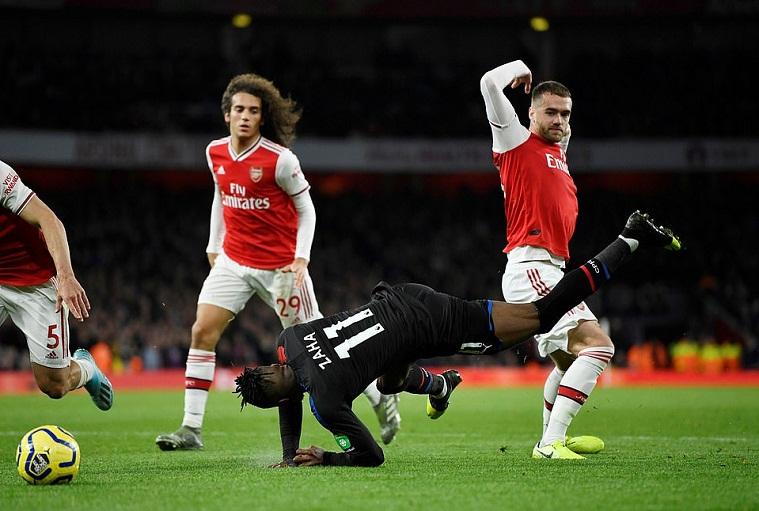 Arsenal đánh rơi chiến thắng trước Crystal Palace vì quyết định VAR tranh cãi