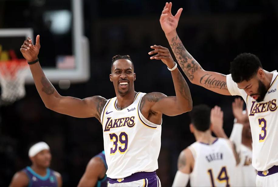 Anthony Davis thể hiện sự bá đạo, LA Lakers bất bại trên sân nhà