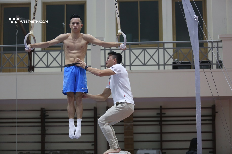 Lê Thanh Tùng: Ngôi sao Cúp Chiến thắng sẵn sàng lấy HCV SEA Games dù đối đầu nhà VĐTG