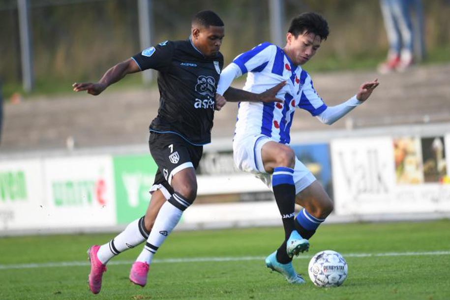 Văn Hậu sáng cửa ra sân trong đội hình SC Heerenveen ở vòng 1 Cúp QG Hà Lan