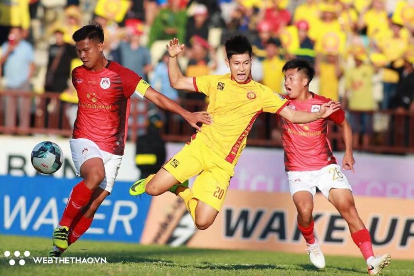 KẾT QUẢ Thanh Hóa vs Phố Hiến (FT: 1-0): Văn Thắng giúp Thanh Hóa trụ hạng