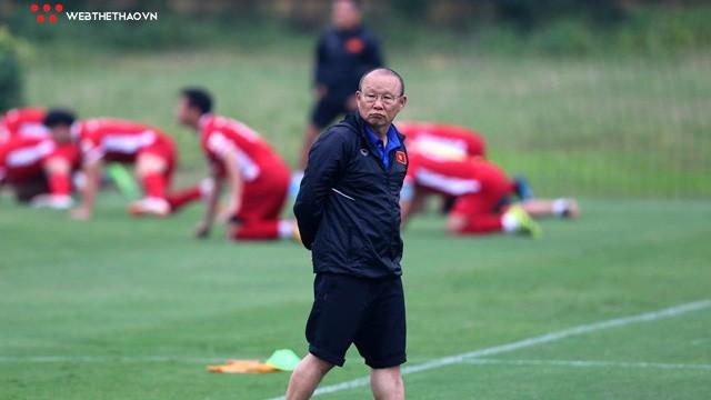 Vì sao các cầu thủ Việt kiều vẫn không góp mặt tại ĐT Việt Nam?