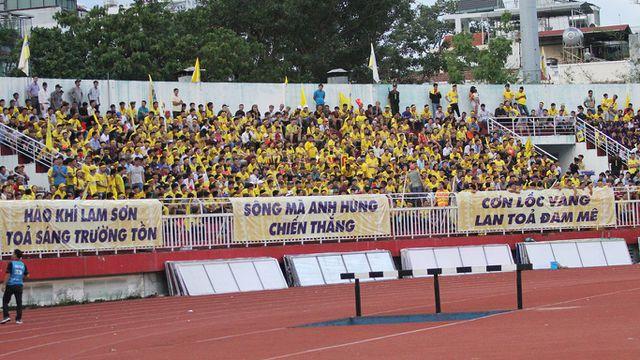CĐV Thanh Hóa quyết phủ vàng sân Vinh ở trận play-off gặp Phố Hiến FC