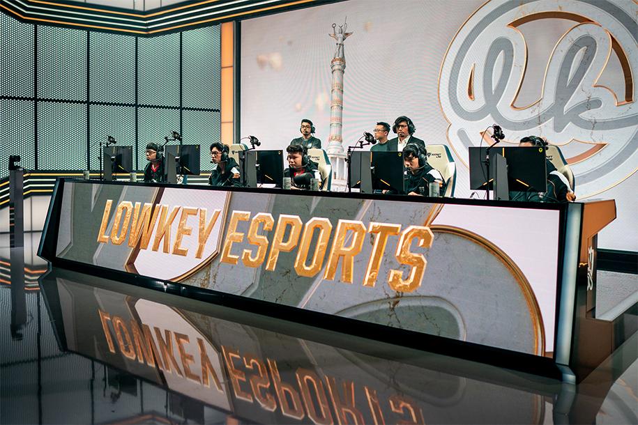 Lowkey Esports bất ngờ chia tay HLV Minh Hảo