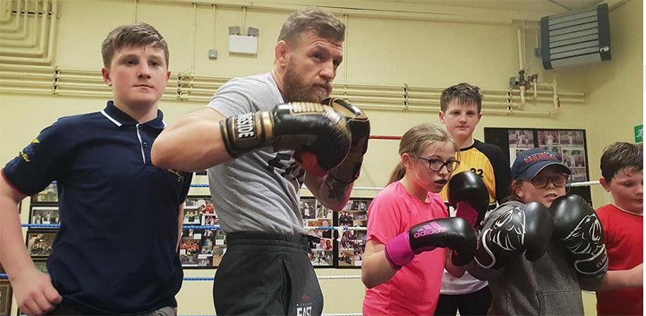 Conor McGregor gây bất ngờ khi trở thành HLV Boxing 'bất đắc dĩ' tại phòng tập