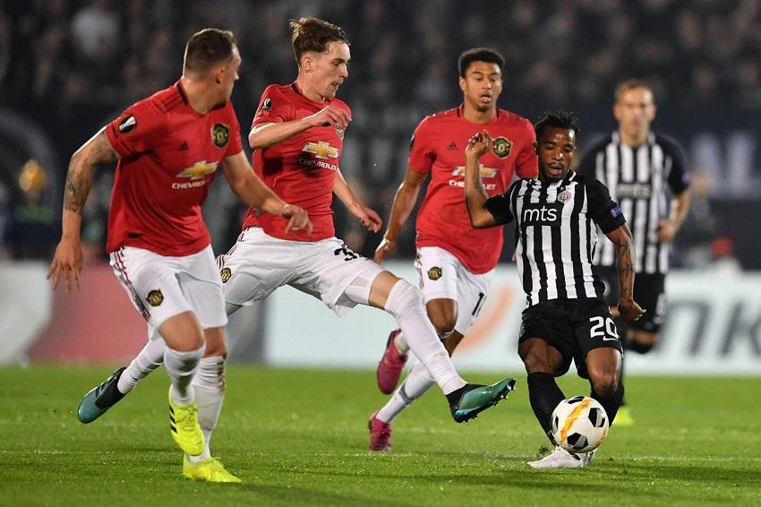 MU xếp 2 cầu thủ trẻ trong đội hình đụng độ Chelsea ở Carabao Cup