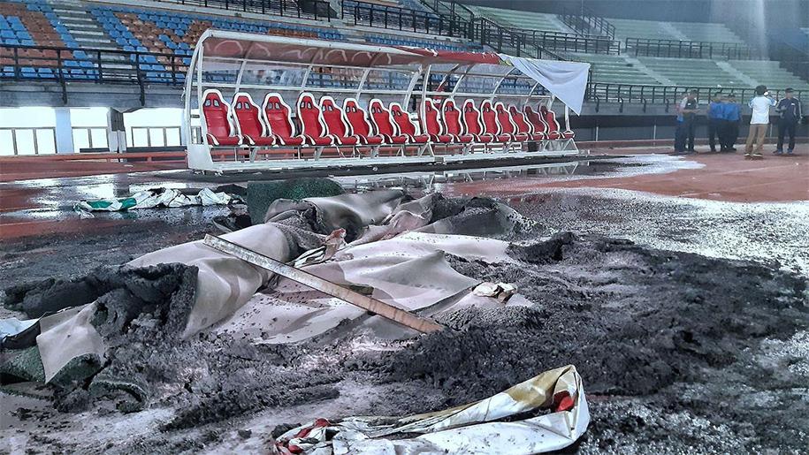 Bạo loạn bóng đá ở Indonesia: SVĐ như chiến trường