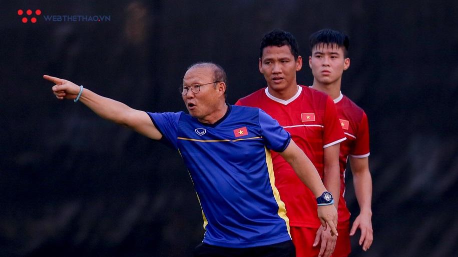 Truyền thông châu Á thích thú với màn đáp trả của thầy Park với HLV Thái Lan