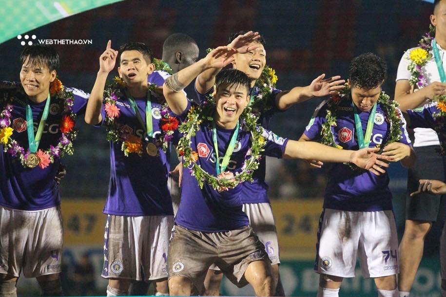 VFF nói gì về cầu thủ Hà Nội FC tập trung muộn?