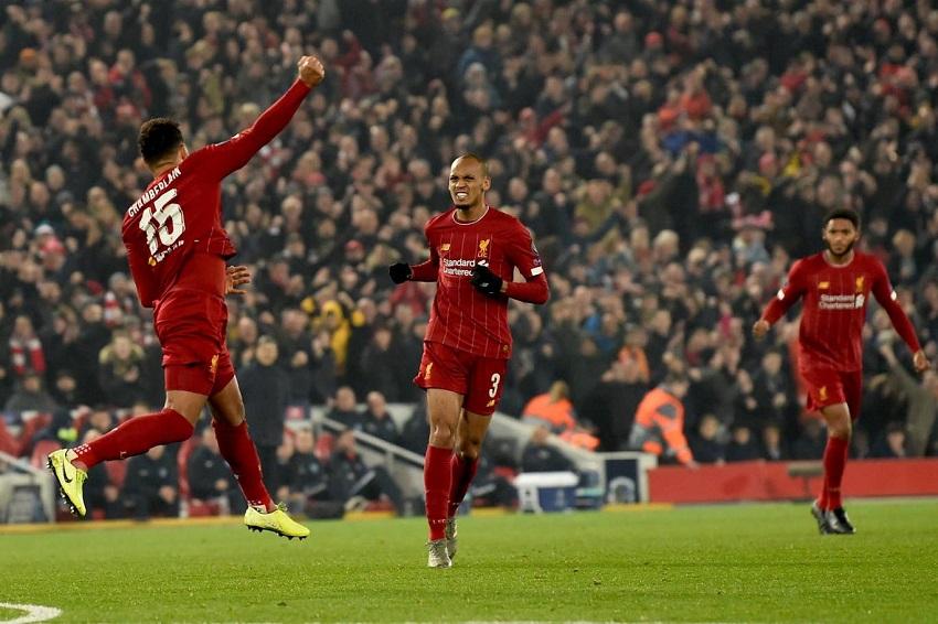 Oxlade-Chamberlain ghi bàn ở Cúp C1 cho Liverpool tốt hơn Hazard