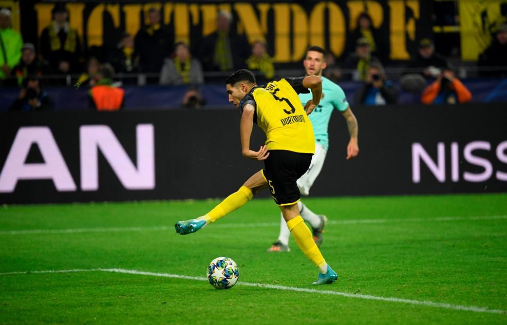 Chelsea hòa kịch tích Ajax, Dortmund ngược dòng đánh bại Inter Milan