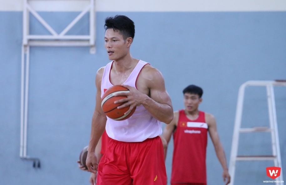 Nguyễn Văn Hùng: Tôi đặt cược ĐT bóng rổ Việt Nam vào Bán kết