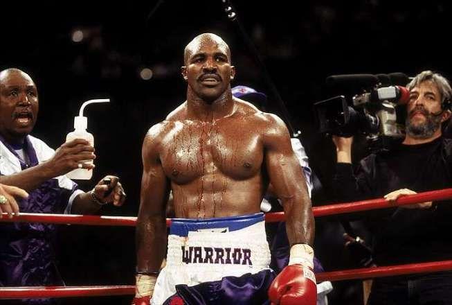 4 tay đấm boxing có máu đỏ đen bậc nhất