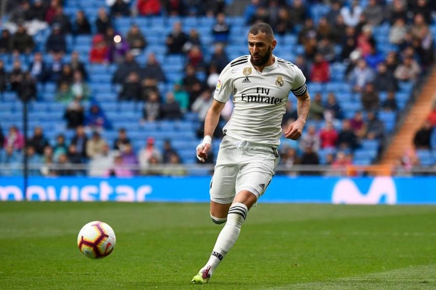 Benzema ở Real Madrid hiệu quả hơn Ronaldo với Juventus