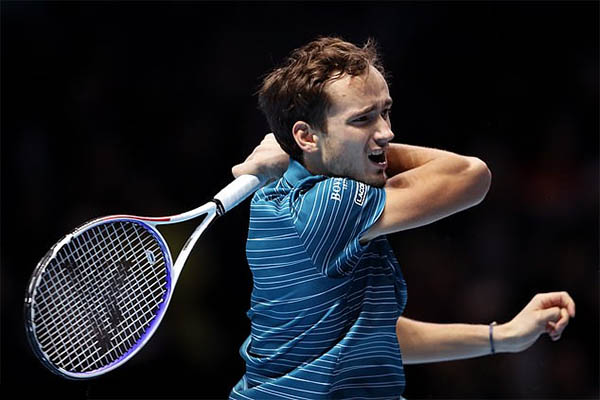 Kết quả quần vợt hôm nay, 13/11: Nadal hạ Medvedev bằng cuộc ngược dòng thần thánh!