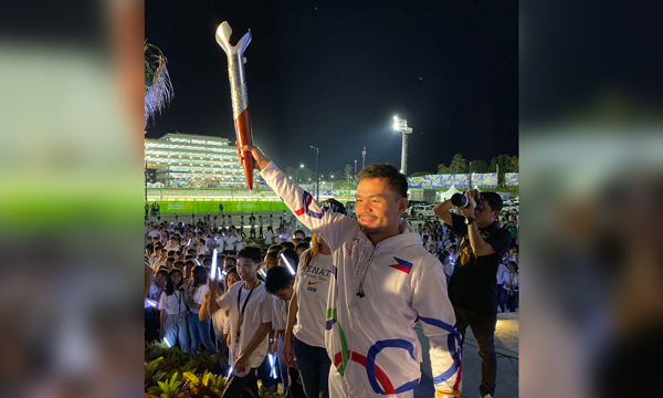 Manny Pacquiao nhận vinh dự thắp ngọn lửa SEA Games 30