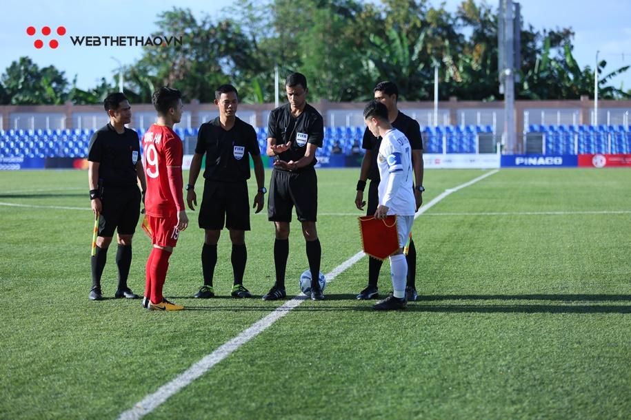 Quang Hải đã giúp U22 Việt Nam thắng Lào trước khi bóng lăn