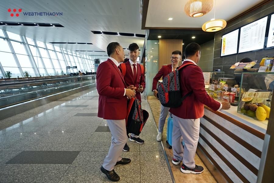 """Chí Anh và dàn trai xinh gái đẹp dancesports nổi bật sang Philippines tranh """"vàng"""" SEA Games 30"""