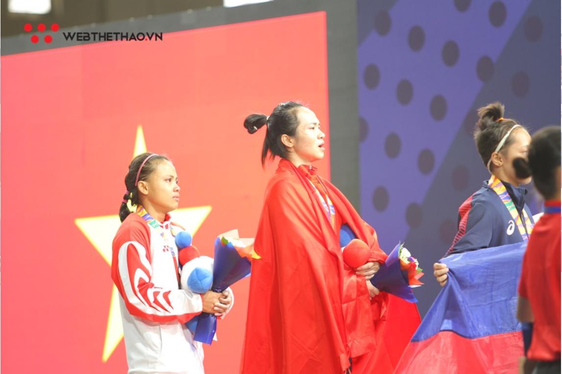 Webthethao.vn trao thưởng đặc biệt cho lực sỹ Vương Thị Huyền