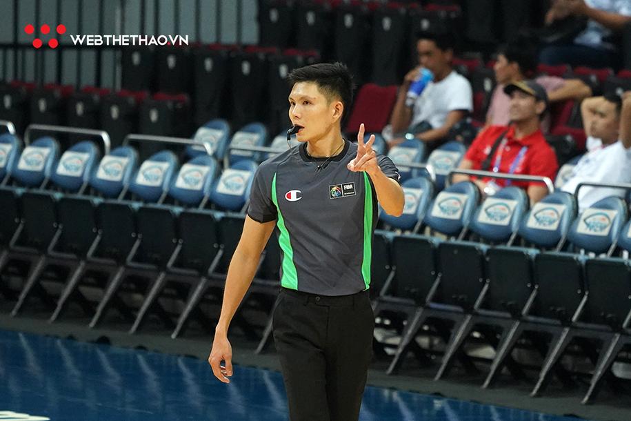 Trọng tài nội xuất sắc nhất VBA Triệu Chí Thành tái ngộ đồng nghiệp tại SEA Games 30