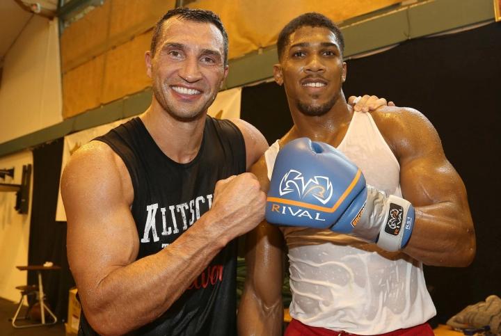 Wladimir Klitschko âm thầm hỗ trợ Anthony Joshua trước thềm tái đấu
