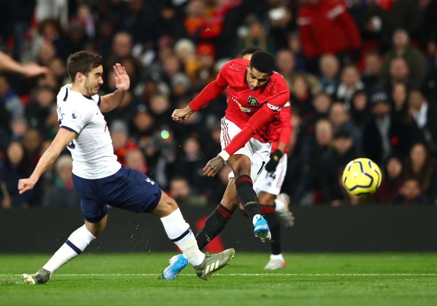 Đội hình kết hợp MU và Man City gây tranh cãi trước trận derby