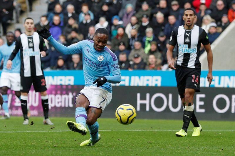 Sterling có số trận tịt ngòi khó tin trước MU ở Ngoại hạng Anh