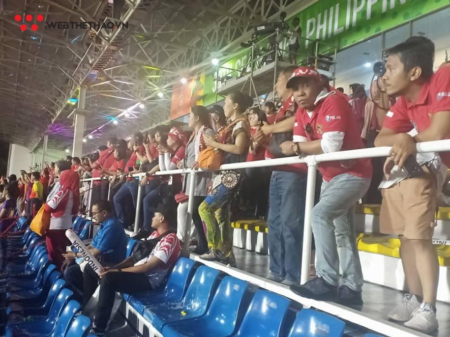 CĐV Indonesia chết lặng trước thất bại sấp mặt của đội nhà
