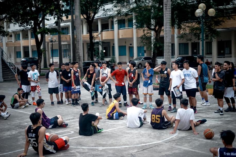Basket Sags tròn 17 tuổi và huyền thoại về cái tên Rổ xệ