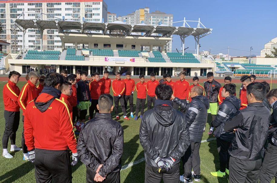 U23 Việt Nam ưu tiên tập thể lực, thầy Park nhận tin vui từ bệnh binh