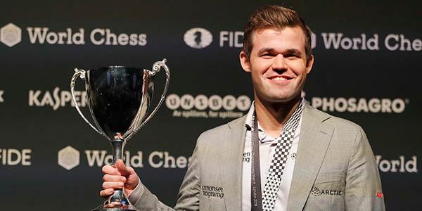Số 1 Fantasy Premier League hóa ra là ông hoàng cờ vua thế giới
