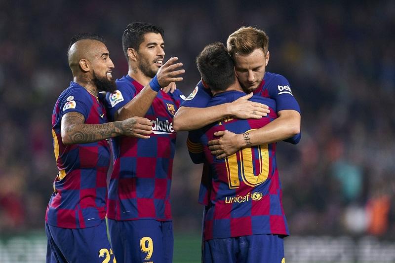 Barca hay Real Madrid hưởng lợi nhiều hơn khi Siêu kinh điển bị hoãn?