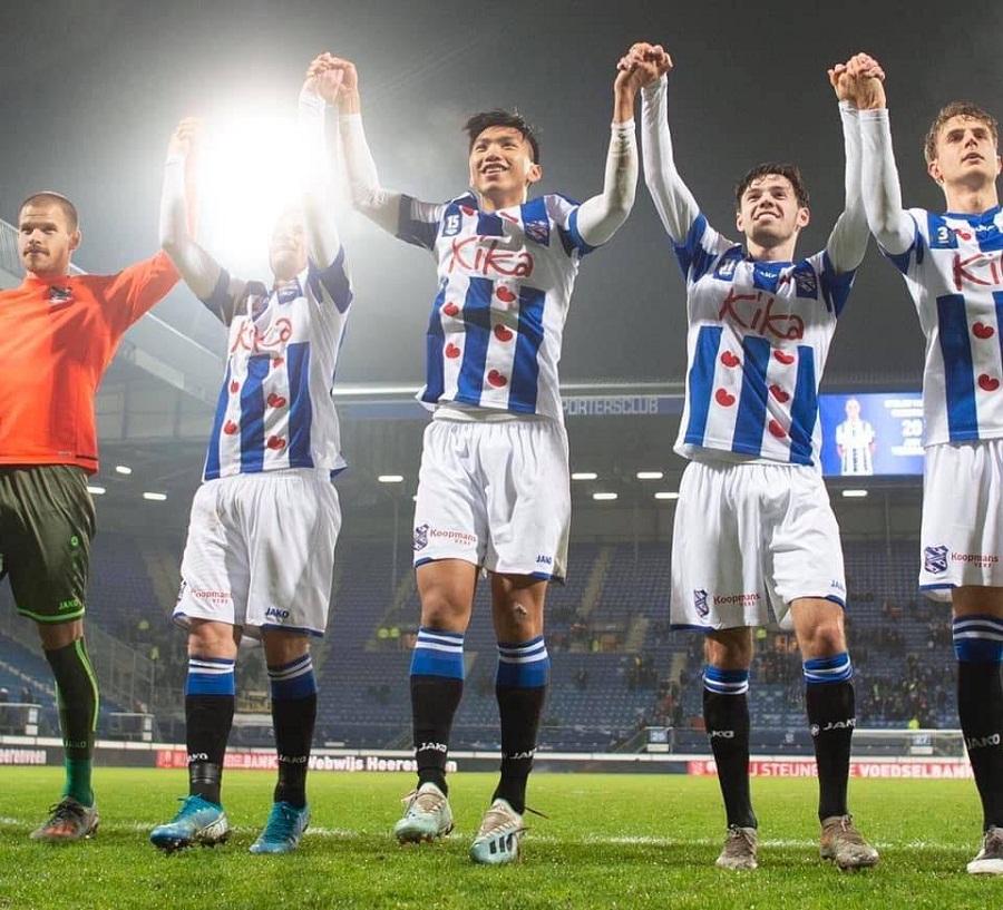 Heerenveen chúc mừng màn ra mắt của Đoàn Văn Hậu tại Cúp QG Hà Lan