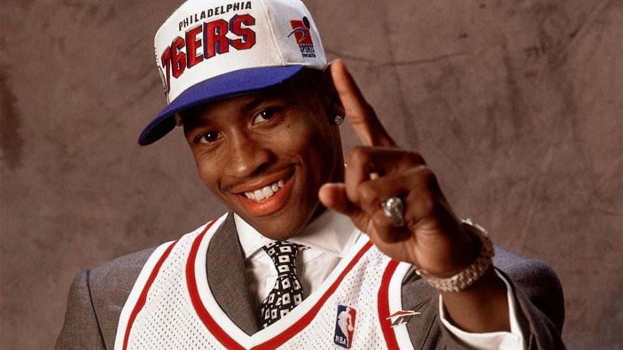Allen Iverson: Chàng hậu vệ từng bẻ cổ chân Michael Jordan