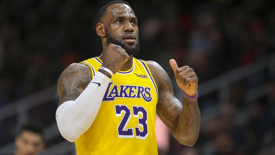 Vượt qua Lakers, Giannis Antetokounmpo mới là cầu thủ xuất sắc nhất hiện tại?