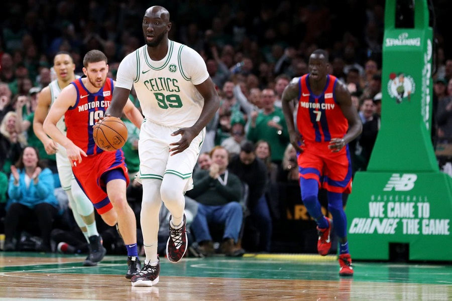 Tân binh Tacko Fall ra sân, Boston Celtics thắng nhẹ nhàng trước Detroit Pistons