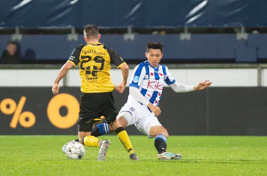 Chùm ảnh: Văn Hậu chính thức ra mắt Heerenveen trong trận thắng tại Cúp QG
