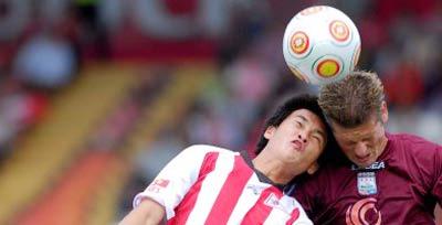 Trước Đoàn Văn Hậu, những cầu thủ Việt ra mắt tại châu Âu như thế nào?