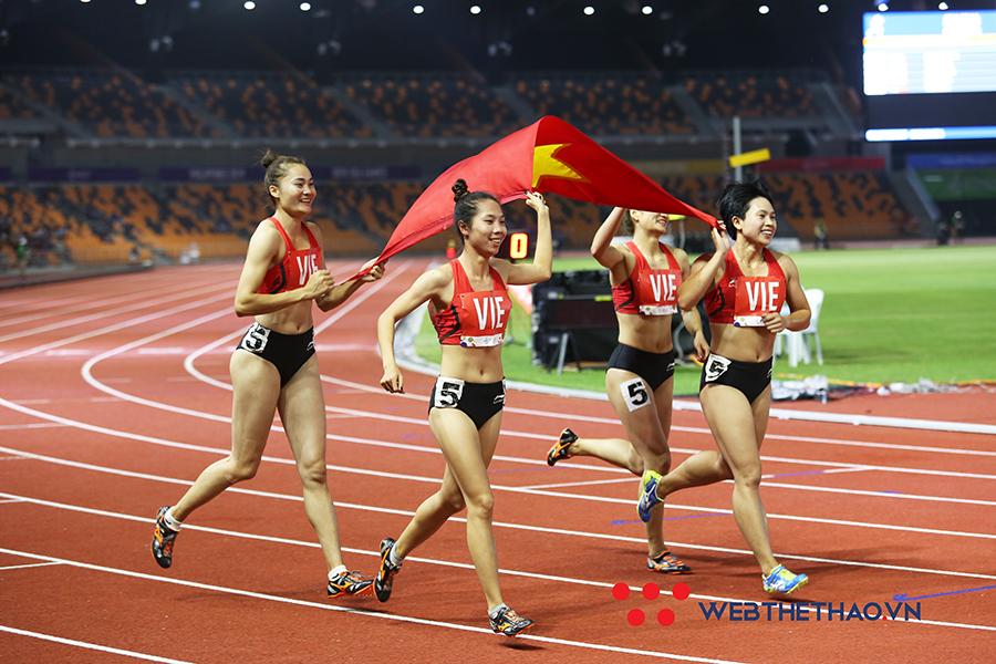 """Kình ngư Huy Hoàng và """"đả nữ Ngọc La Sát"""" được Quảng Bình thưởng nóng sau SEA Games 30"""