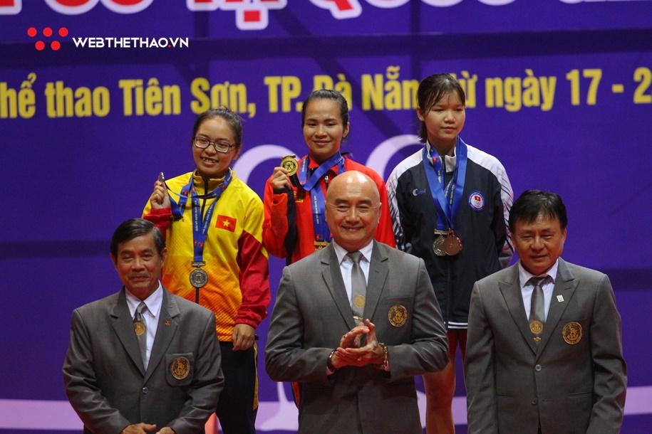 Sau SEA Games 30, lực sĩ Vương Thị Huyền không có đối thủ ở giải VĐQG