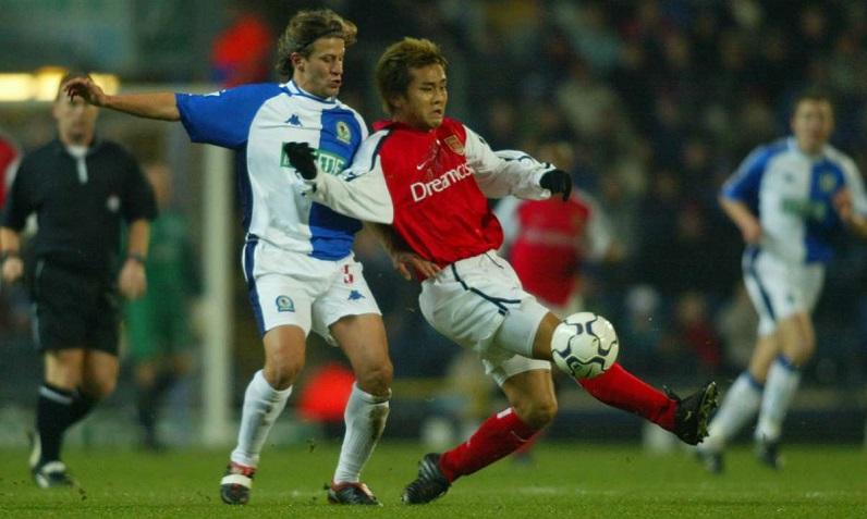 8 cầu thủ Nhật Bản trước Minamino đã chơi thế nào ở Ngoại hạng Anh?