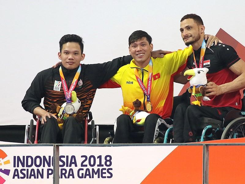 Võ Thanh Tùng: Michael Phelps của làng bơi khuyết tật Việt Nam