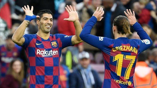 Luis Suarez lập kỳ tích có một không hai giúp Messi cán mốc với Barca