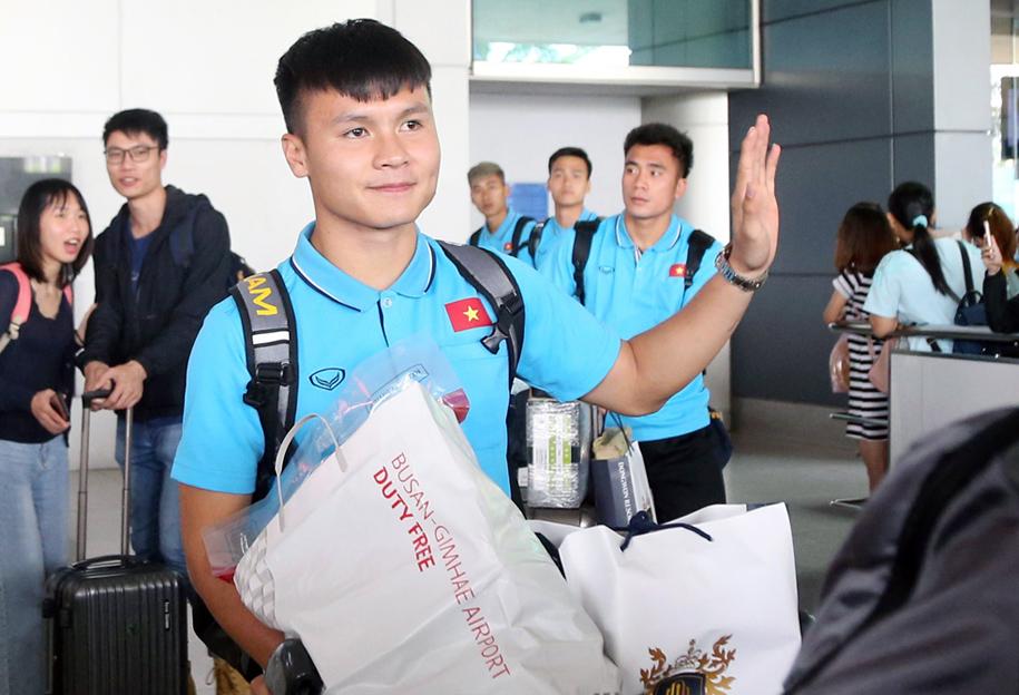 U23 Việt Nam đã về đến TP. HCM, thầy Park ở lại Hàn Quốc
