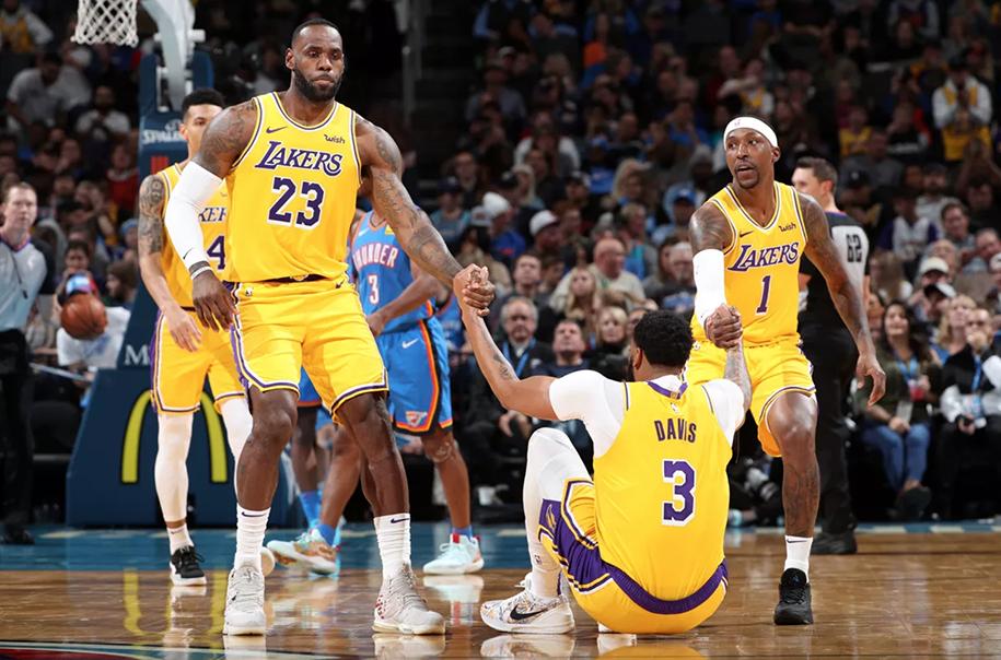 Mặc kệ 3 thất bại liên tiếp, Los Angeles Lakers muốn hướng về tương lai